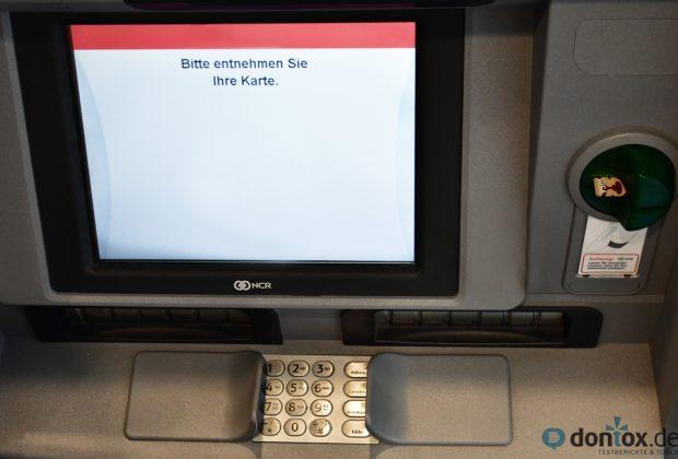 """""""Bitte entnehmen Sie Ihre Karte"""" am Geldautomaten"""